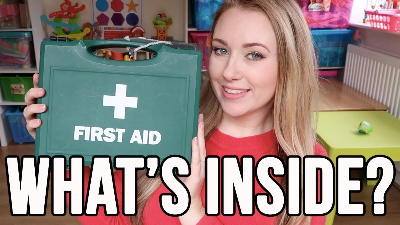 FIRST AID KIT - FIRST AID BOX - EMERGENCY KIT - WHAT TO HAVE IN A FIRST AID BOX - A CHILDMINDING MUM