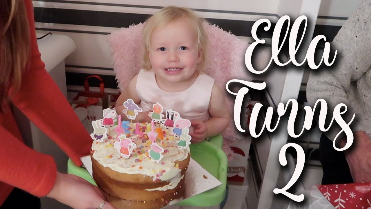 ELLAS 2ND BIRTHDAY PARTY AND ZOO DAY - PRESENTS AND PEPPA PIG CAKE - LOTTE ROACH